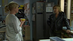 Lauren Turner, Steph Scully in Neighbours Episode 7539