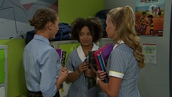 Piper Willis, Bec Simmons, Xanthe Canning in Neighbours Episode 7541