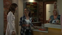 Elly Conway, Amy Williams, Sheila Canning in Neighbours Episode 7541