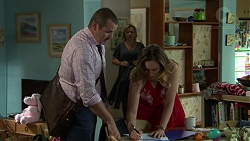 Toadie Rebecchi, Steph Scully, Sonya Mitchell in Neighbours Episode 7542