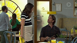 Paige Novak, Brad Willis in Neighbours Episode 7542