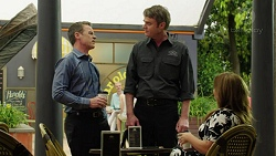 Paul Robinson, Gary Canning, Terese Willis in Neighbours Episode 7543