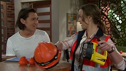 Leo Tanaka, Amy Williams in Neighbours Episode 7544