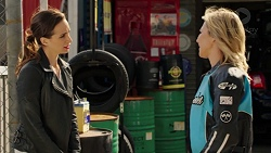 Victoria Lamb, Steph Scully in Neighbours Episode 7548