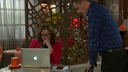 Terese Willis, Paul Robinson in Neighbours Episode 7549