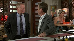 Clive Gibbons, Paul Robinson in Neighbours Episode 7554