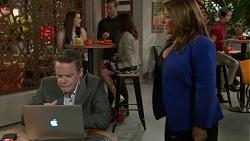 Paul Robinson, Terese Willis in Neighbours Episode 7554