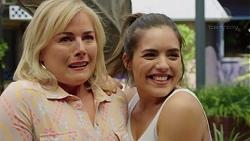 Lauren Turner, Paige Smith in Neighbours Episode 7555