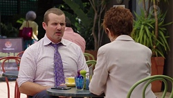 Toadie Rebecchi, Susan Kennedy in Neighbours Episode 7556