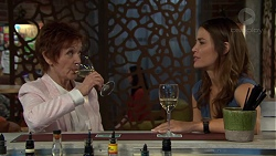 Susan Kennedy, Elly Conway in Neighbours Episode 7560