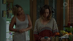 Steph Scully, Sonya Mitchell in Neighbours Episode 7561