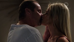 Toadie Rebecchi, Dee Bliss in Neighbours Episode 7562