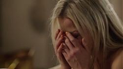 Dee Bliss in Neighbours Episode 7563