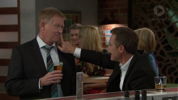 Clive Gibbons, Paul Robinson in Neighbours Episode 7565