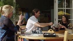 Lauren Turner, Brad Willis, Paige Novak in Neighbours Episode 7574