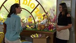 Laura Henley, Paige Novak in Neighbours Episode 7574