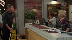 Gary Canning, Terese Willis, Sheila Canning in Neighbours Episode 7575
