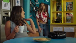 Paige Smith, Piper Willis in Neighbours Episode 7576