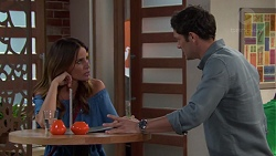 Elly Conway, Finn Kelly in Neighbours Episode 7576