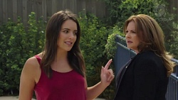 Paige Novak, Terese Willis in Neighbours Episode 7578