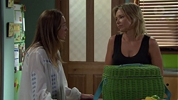 Sonya Mitchell, Steph Scully in Neighbours Episode 7582