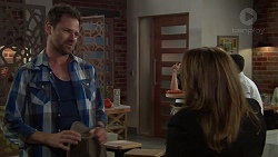 Shane Rebecchi, Terese Willis in Neighbours Episode 7584