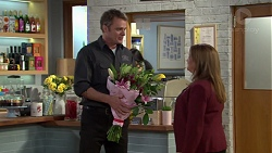 Gary Canning, Terese Willis in Neighbours Episode 7589