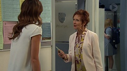 Elly Conway, Susan Kennedy in Neighbours Episode 7589