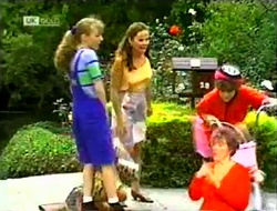 Debbie Martin, Julie Robinson, Hannah Martin in Neighbours Episode 2109