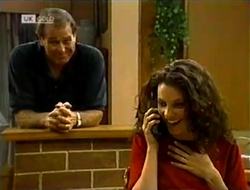 Doug Willis, Gaby Willis in Neighbours Episode 2113