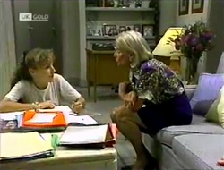 Debbie Martin, Helen Daniels in Neighbours Episode 2113