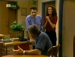 Mark Gottlieb, Gaby Willis, Doug Willis in Neighbours Episode 2113