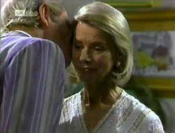 Len Mangel, Helen Daniels in Neighbours Episode 2113
