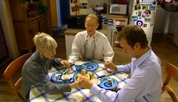 Sindi Watts, Raylene Manson, Stuart Parker in Neighbours Episode 4759