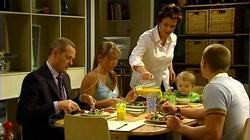 Max Hoyland, Steph Scully, Lyn Scully, Oscar Scully, Boyd Hoyland in Neighbours Episode 4805
