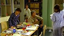 Zeke Kinski, Lyn Scully, Oscar Scully, Joe Mangel, Rachel Kinski in Neighbours Episode 4805
