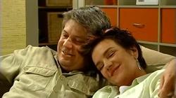 Joe Mangel, Lyn Scully in Neighbours Episode 4805