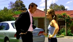 Paul Robinson, Izzy Hoyland in Neighbours Episode 4937