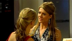 Elle Robinson, Izzy Hoyland in Neighbours Episode 4937