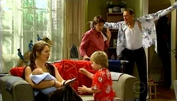 Steph Scully, Charlie Hoyland, Oscar Scully, Lyn Scully, Max Hoyland in Neighbours Episode 4939