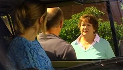 Janelle Timmins, Kim Timmins, Louise Fletcher in Neighbours Episode 4942