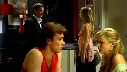 Paul Robinson, Izzy Hoyland, Robert Robinson, Elle Robinson in Neighbours Episode 4943