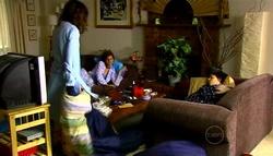 Katya Kinski, Rachel Kinski, Zeke Kinski in Neighbours Episode 4943