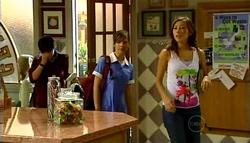 Zeke Kinski, Rachel Kinski, Katya Kinski in Neighbours Episode 4943