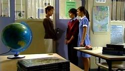Susan Kennedy, Zeke Kinski, Rachel Kinski in Neighbours Episode 4943