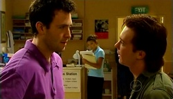 Tommy Doolan, Katya Kinski, Robert Robinson in Neighbours Episode 4943