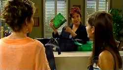 Susan Kennedy, Lyn Scully, Rachel Kinski in Neighbours Episode 4961