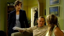 Susan Kennedy, Max Hoyland, Steph Scully in Neighbours Episode 4961
