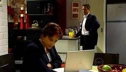Lyn Scully, Paul Robinson in Neighbours Episode 4961
