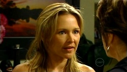 Steph Scully, Lyn Scully in Neighbours Episode 4961